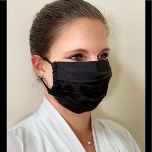 4 x 100% Silk Under Mask to prevent Maskne